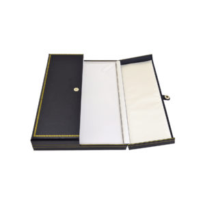 5-3/4 x 8-1/4 x 1-1/4in Black Leatherette White Lined Necklace Box