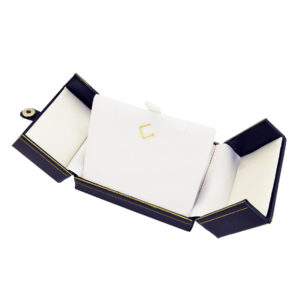 3-1/2 x 3 x 1-1/2in Black Leatherette White Lined Pendant Box with Snap